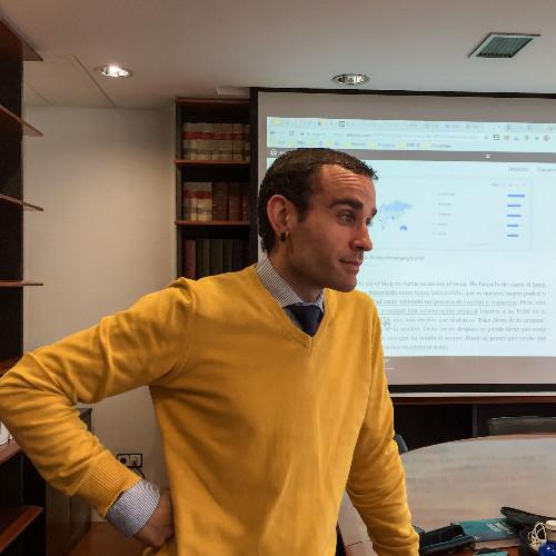 Elkarrizketa Alex Rayón-ekin, Deustuko Unibertsitateko Big Data eta Business Intelligence programa exekutiboaren zuzendaria